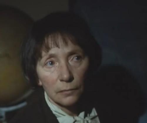 """A Short Film About Love"". Gesto de desconfianza de la madre adoptiva de Tomek a Magda."